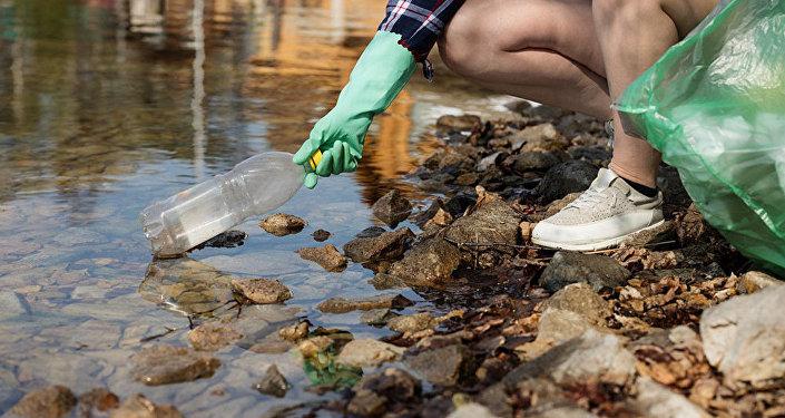 垃圾圍城:中國如何避免水體中出現垃圾