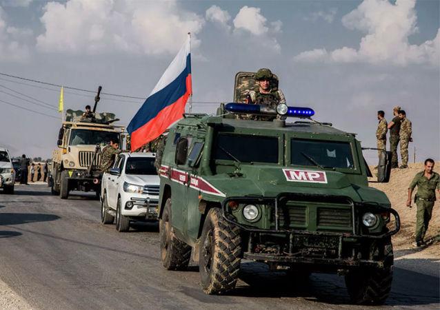 俄方军警在叙利亚
