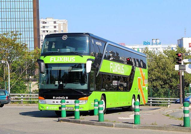 弗利克斯巴士(FlixBus)公司的客车(资料图片)