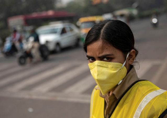 印度与雾霾作斗争