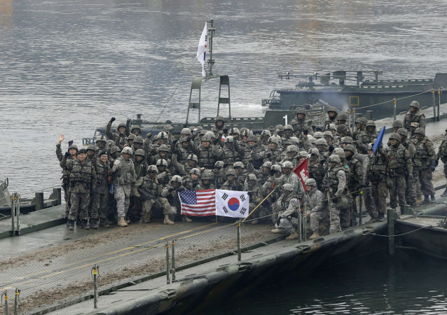 美韩军事人员