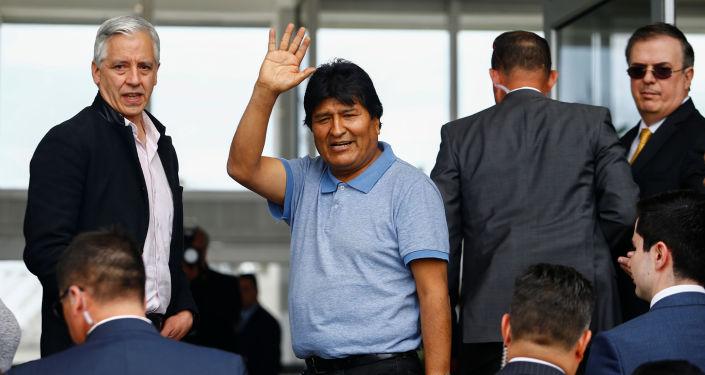 俄专家:莫拉莱斯仍有可能重返玻利维亚政坛
