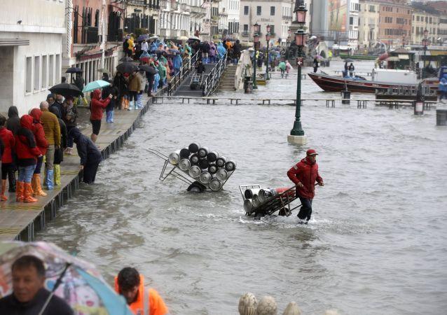 意大利地区行政长官:威尼斯80%区域已经处于水下