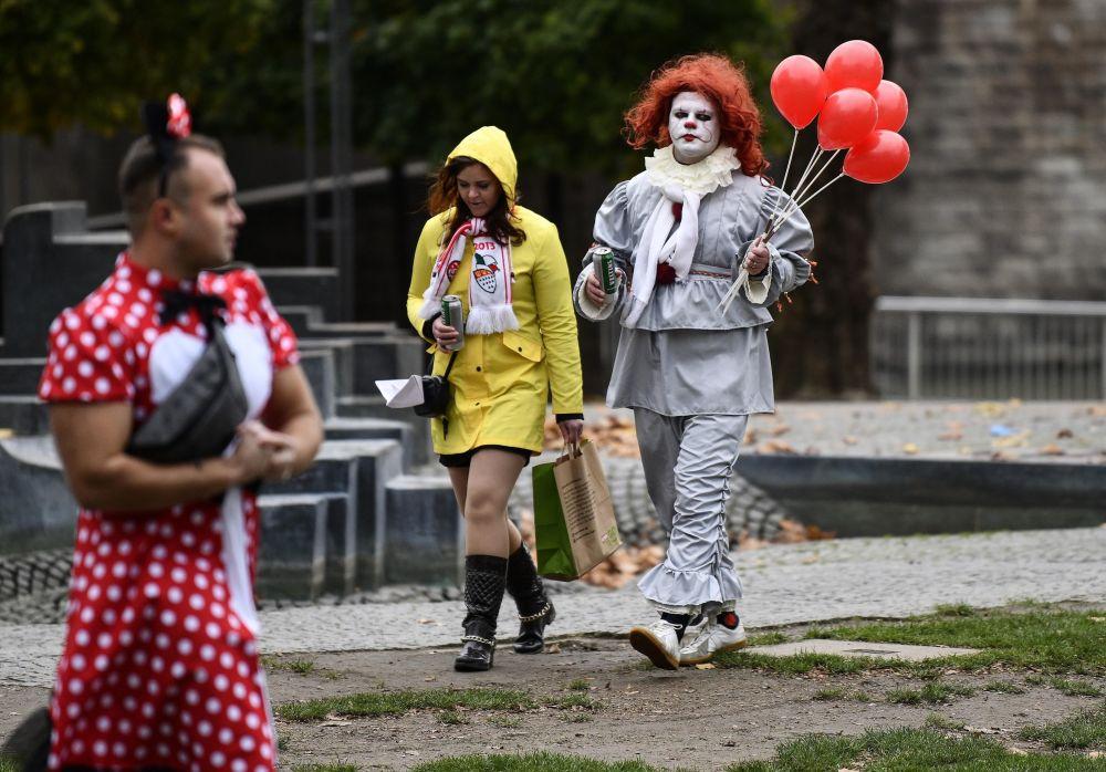 科隆狂欢节的参与者。