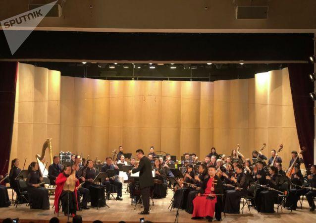 上海民族樂團演奏家:聖彼得堡國際文化論壇是將中國文化展示給全世界的平台