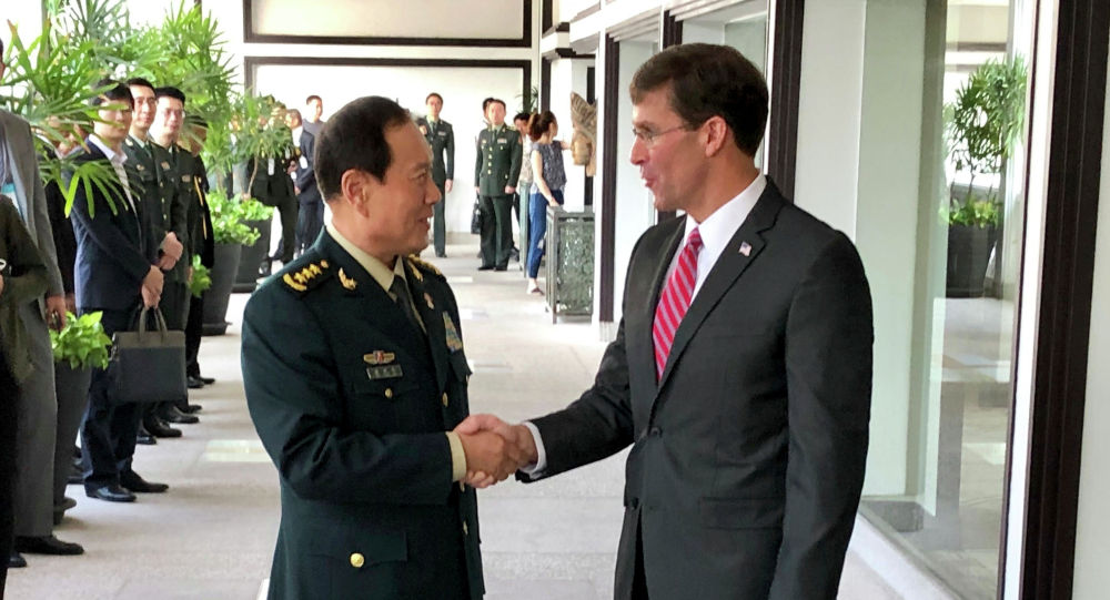 中国防长呼吁美国停止在南海炫耀武力