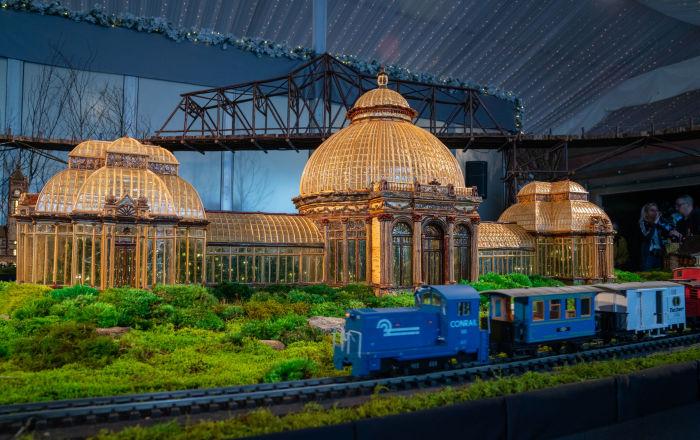 纽约一年一度的假日小火车展