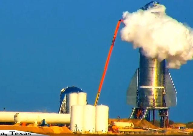 SpaceX 公司太空船Starship原型機在試驗時爆炸
