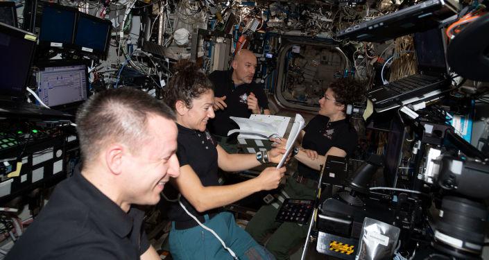 NASA将派遣宇航员搭乘旅游飞船赴国际空间站执行短期飞行任务