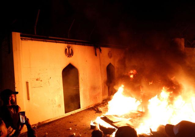 伊拉克南部抗议示威造成七人死亡