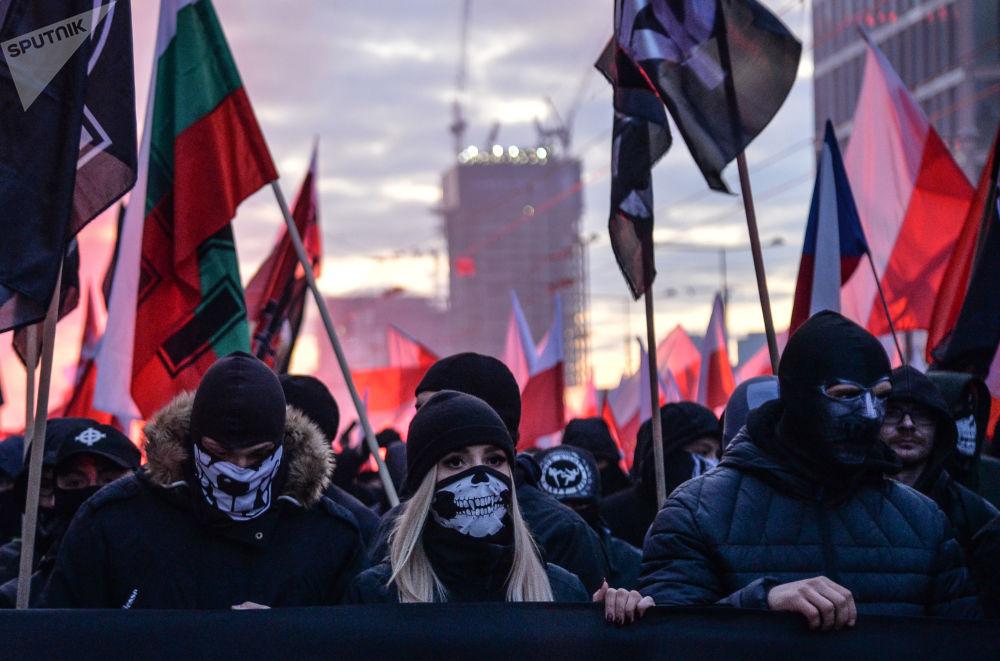 波蘭獨立日遊行的參加者