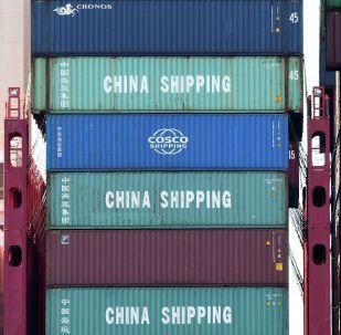 美国提议将中国商品的进口关税减半