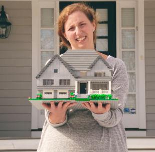 美国设计师用乐高积木复制私人住宅
